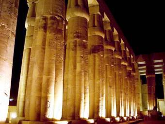 Итак, какие же характерные особенности для египетского стиля?